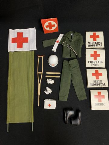 VINTAGE ACTION MAN  - MEDIC UNIFORM